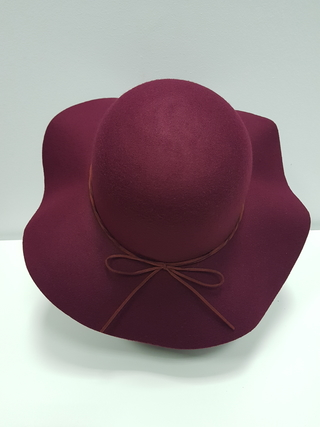 Sombrero antelina ala vuelo burdeos