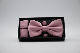 Pajarita, pañuelo y gemelos rosa