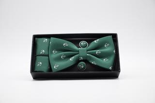 Pajarita, pañuelo y gemelos verde con anclas
