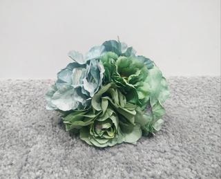 Ramillete verde agua teñido