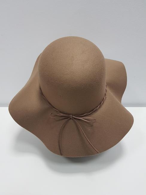 Sombrero antelina ala vuelo camel