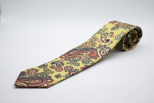 Corbata cachemir amarilla