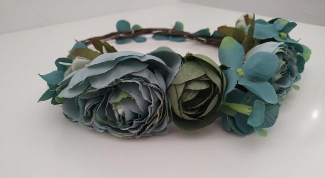 Corona de flores Ref. 02 tonos verdes agua