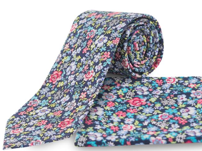 Corbata estampado flores Ref.03