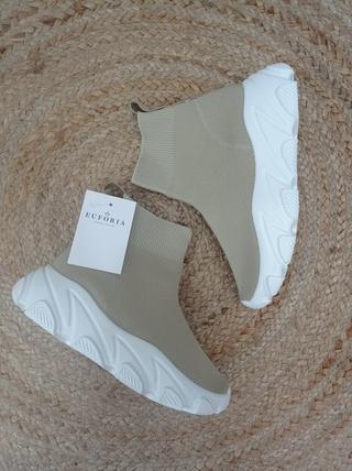 Zapatillas alta calcetín