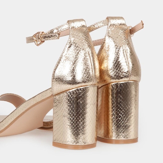 Sandalias tacón doradas
