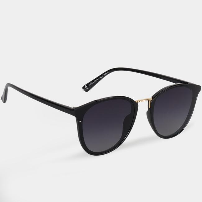 Gafas de sol negra detalle dorado