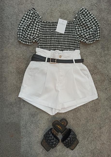Short blanco pinza