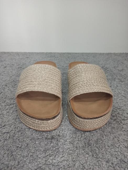 Sandalia taco rafia