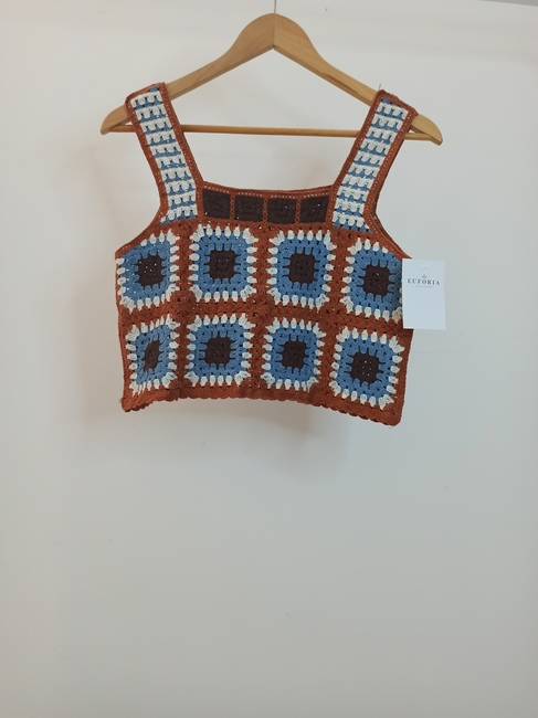 Top crochet detalle nudo