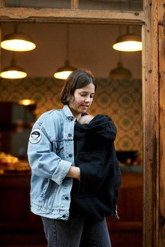 Cobertor de porteo polar Momawo color negro talla única