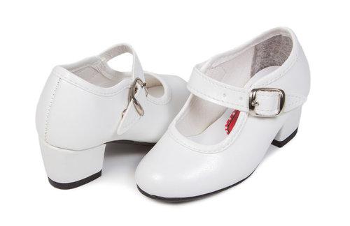 Zapatos blanco de gitana para niña