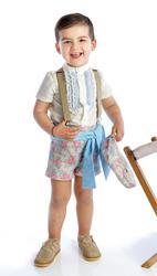 Traje de gitano para niño compuesto por camisa con chorreras, pantalón corto y fajín a juego gtnn410 MiBebesito modelo