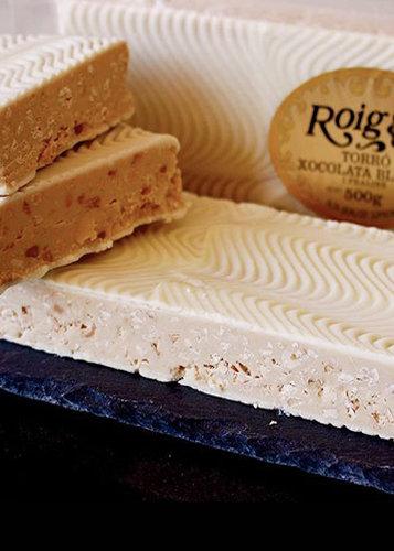 Turrón de chocolate blanco y praliné (chocolate blanco 60%). Calidad Suprema. Peso neto 500g